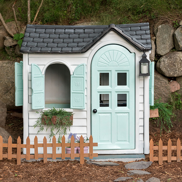 rust-oleum-spray-paint-playhouse-makeover-diy-inspirational-project-after